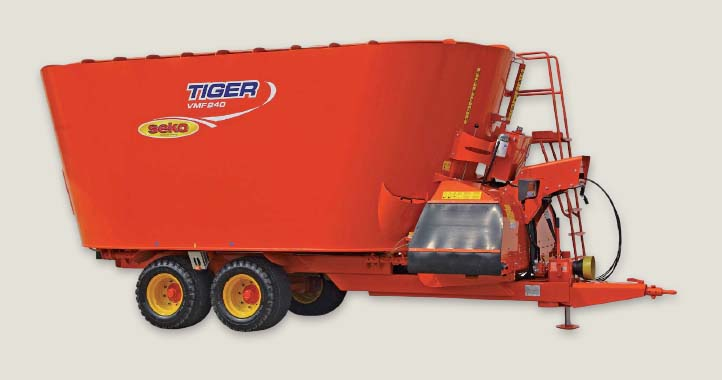Vertical unifeed mixing wagons for livestock feeding